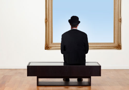 Who attends the visual arts in Glasgow?